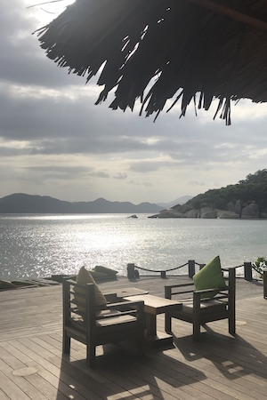 the jetty and bar at six senses