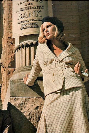 Faye Dunaway as Bonnie Parker in  Bonnie & Clyde . Image: Instagram  @vintagexiconic
