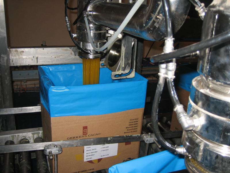 Bag in box filler for cocoa