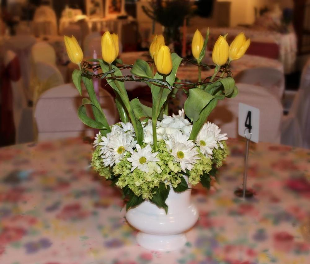 Centerpiece - tulip ring.jpg
