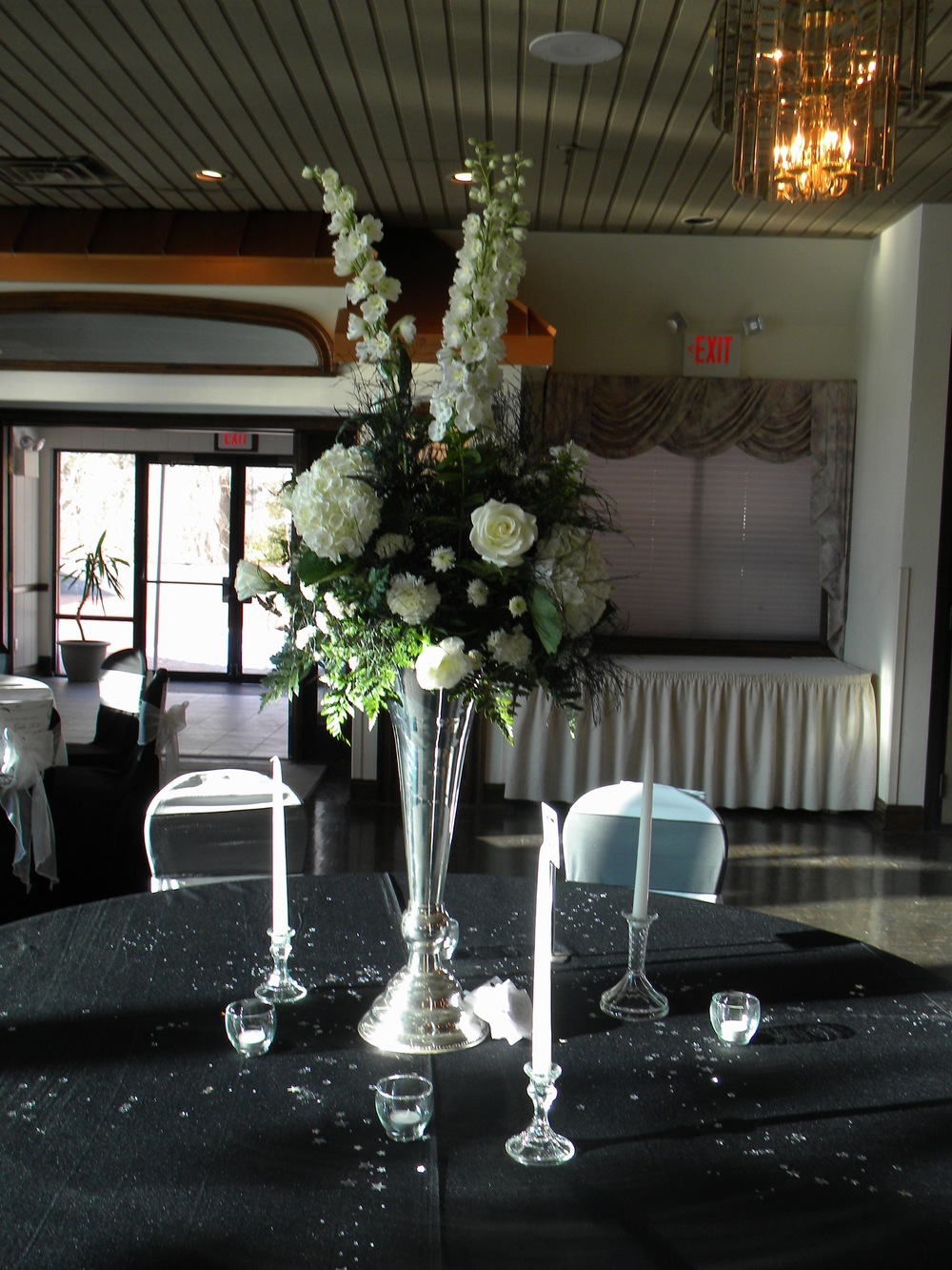 Centerpiece - tall white.JPG