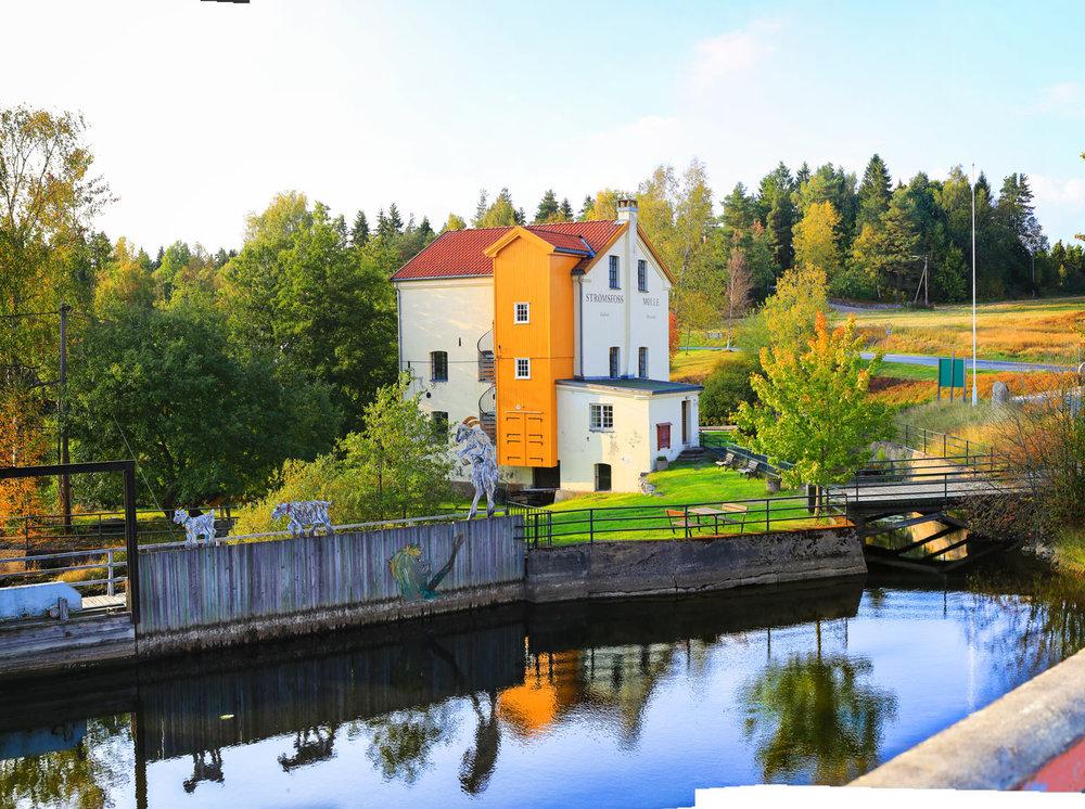 Strømsfoss Mølle og Strømsfoss Galleri.Foto: Visit Hvaler