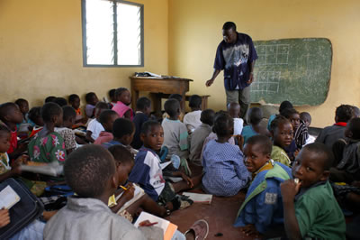 worldvue_children_school_africa_sm.jpg