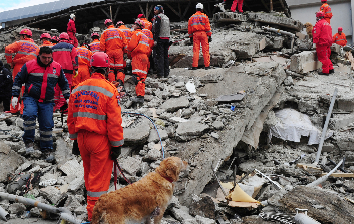 worldvue_earthquake_rescue1.jpg