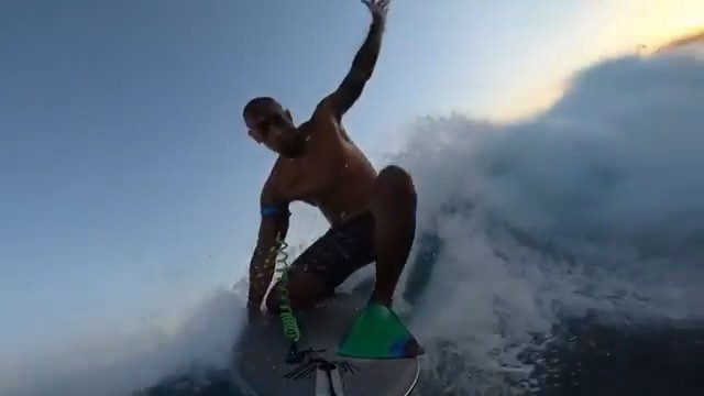Mornin fellas! Epic DK air captured with the nose mount. Head over the website and order yours today. 🤙🏽 . #Repost @ksms808 ・・・ First sesh with the @knektusa nose mount this morning before work!! 🤙🏽🤙🏽 #triadmovement #vektorsystems #VDKS #2.0 #VTFINS #goodmorningfellas  @triadmovement  @vektorsystems  @imrse  @808empire  @kill_media  @hehiau_official  @the_notch_  @bigislandbombers