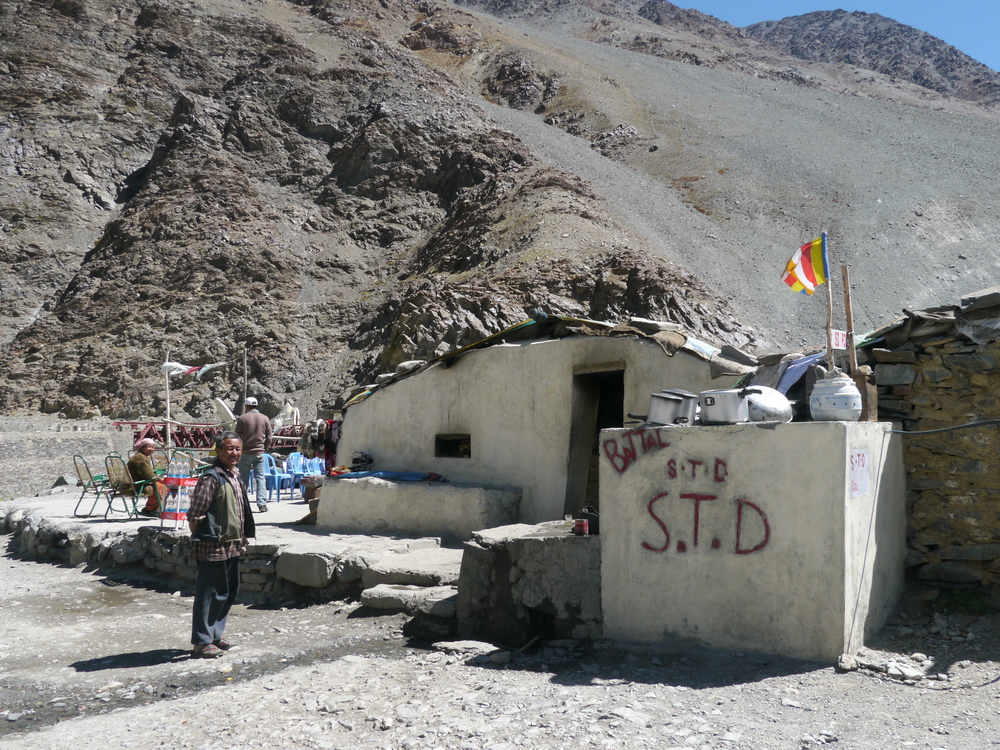 A makeshift restaurant in the town of Batal after a long descent from Kunzam La.