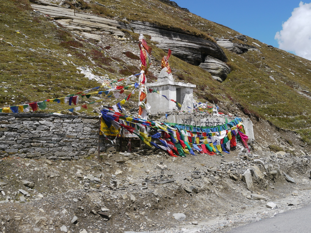 The Buddhist Chorten on the top of Rohtang La (3988m)