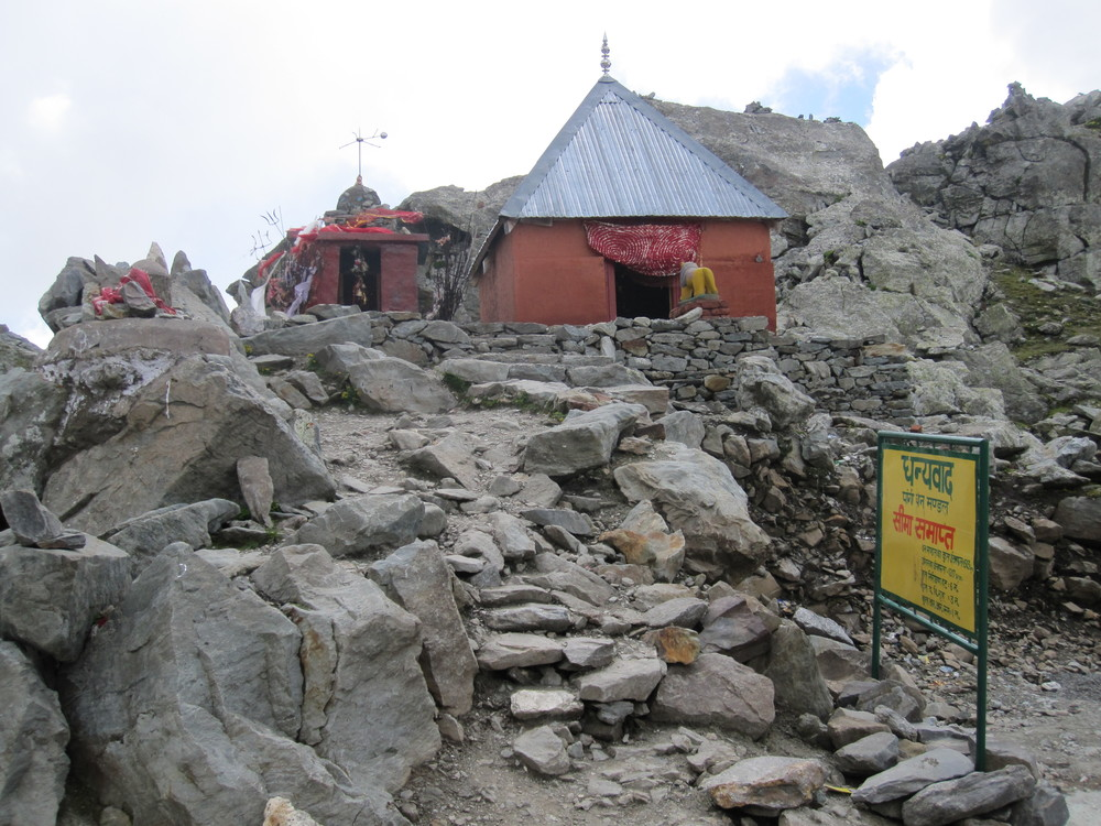 Top of Sach Pass