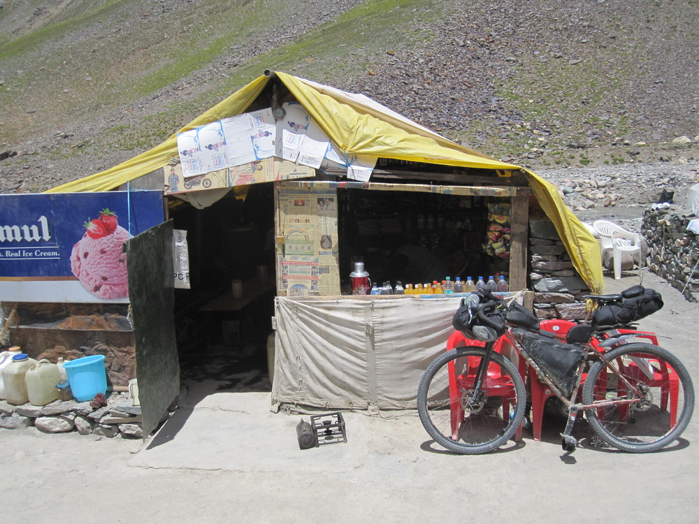 Time for another snack. These makeshift restaurants are the only services between Keylong and Leh.