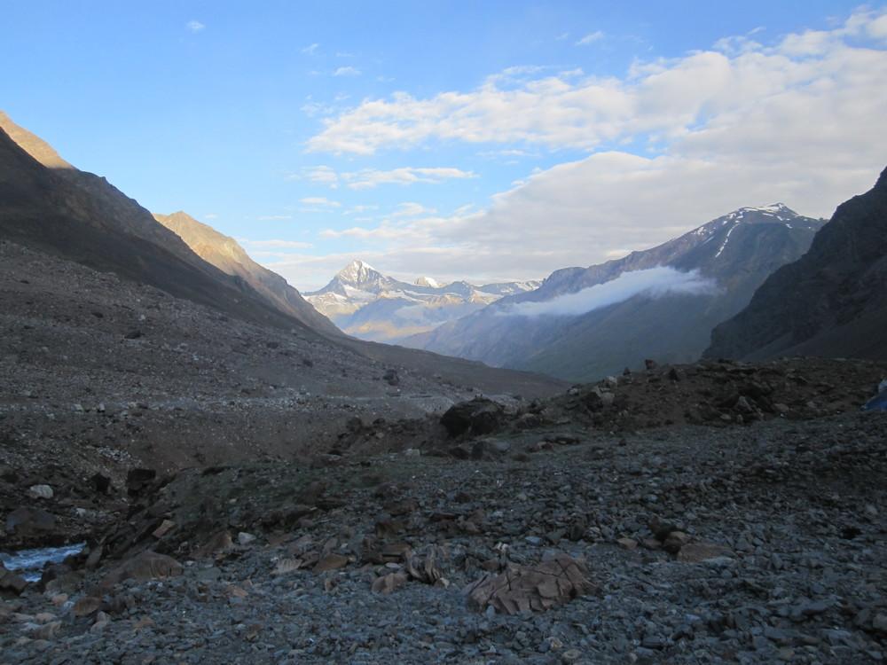 Early morning views as I climb Baralacha La.