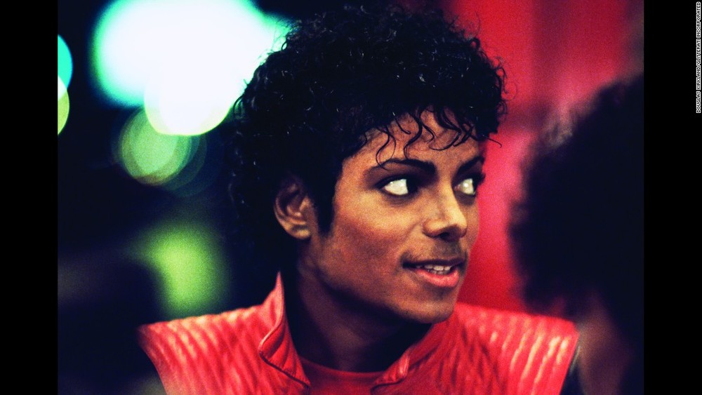 151113102135-03-tbt-michael-jackson-thriller-restricted-super-169.jpg