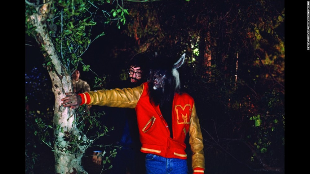 151113102655-10-tbt-michael-jackson-thriller-restricted-super-169.jpg