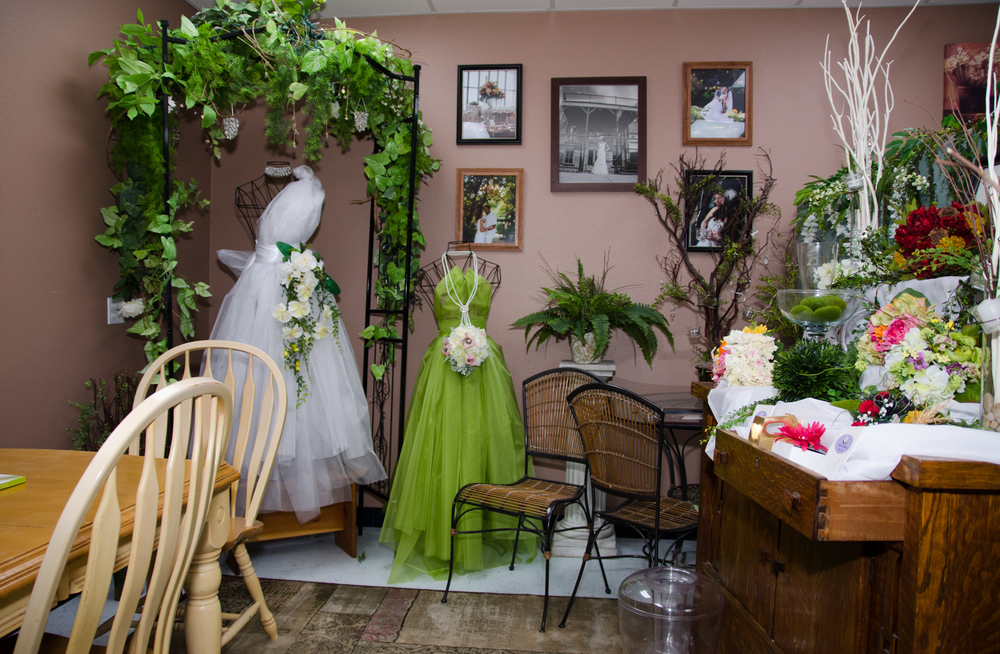 Let us sit down and help you make your wedding dreams come true!