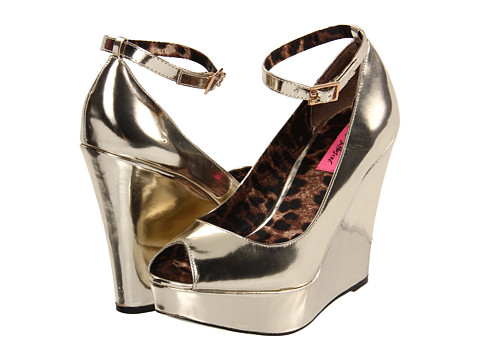 80% OFF! $27.80!!!     Gold wedges with an ankle strap? So easy.