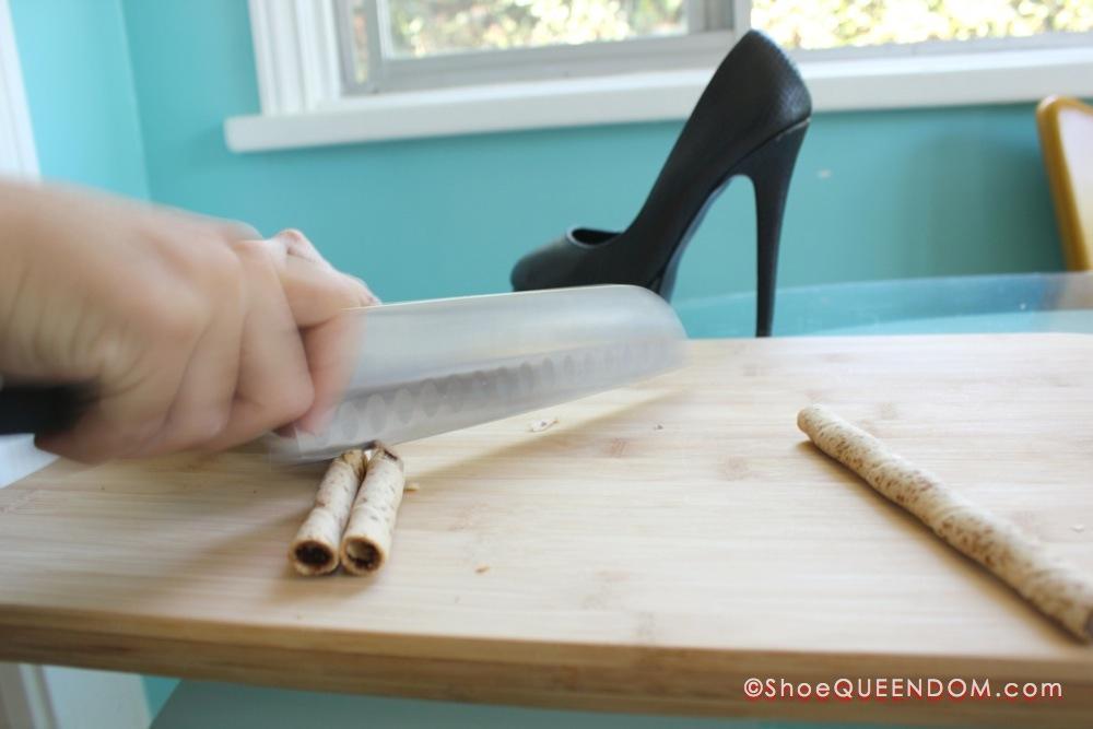 How-To-Make-Shoe-Cupcakes-06.jpg