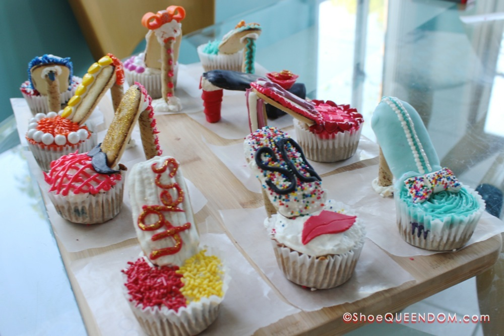 Learn how to make your own shoe cupcakes at ShoeQUEENDOM.com/blog/shoe-cupcakes   #shoecupcake #cupcake