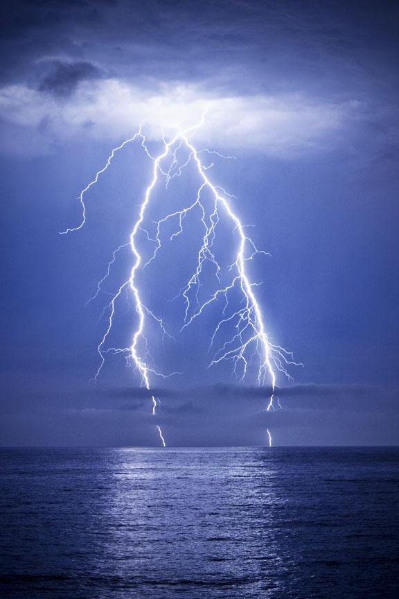 Lightning_Hermosa_20x30_3269 copy.jpg