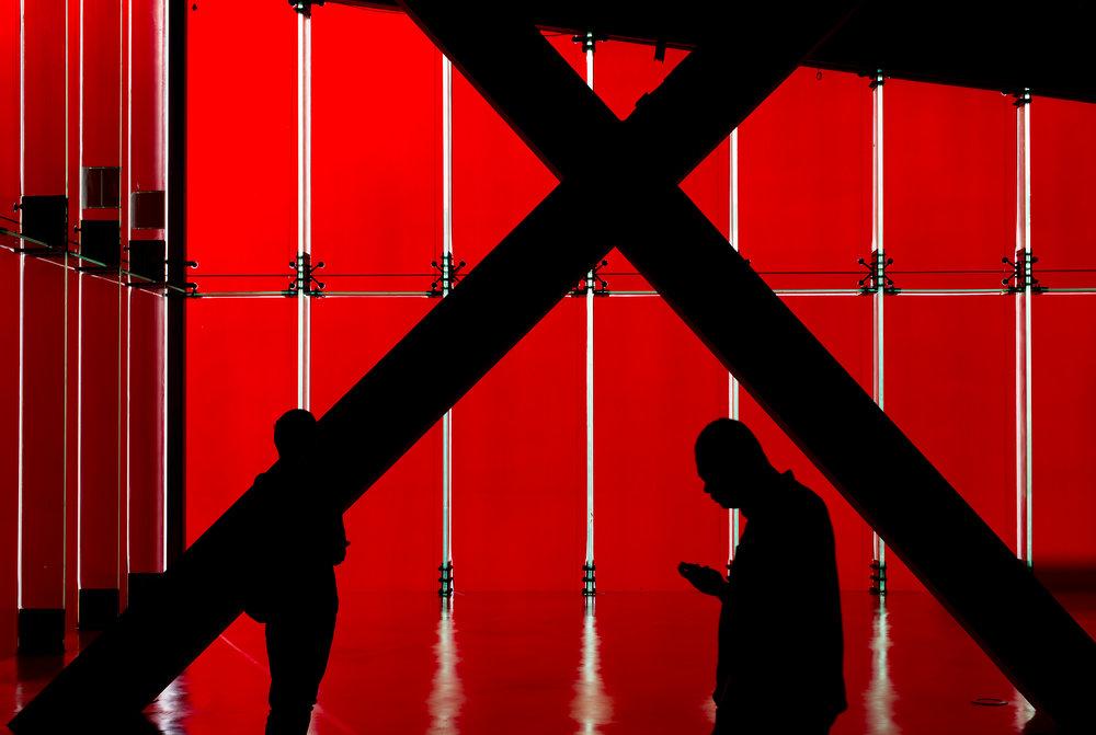 2_men_red.jpg