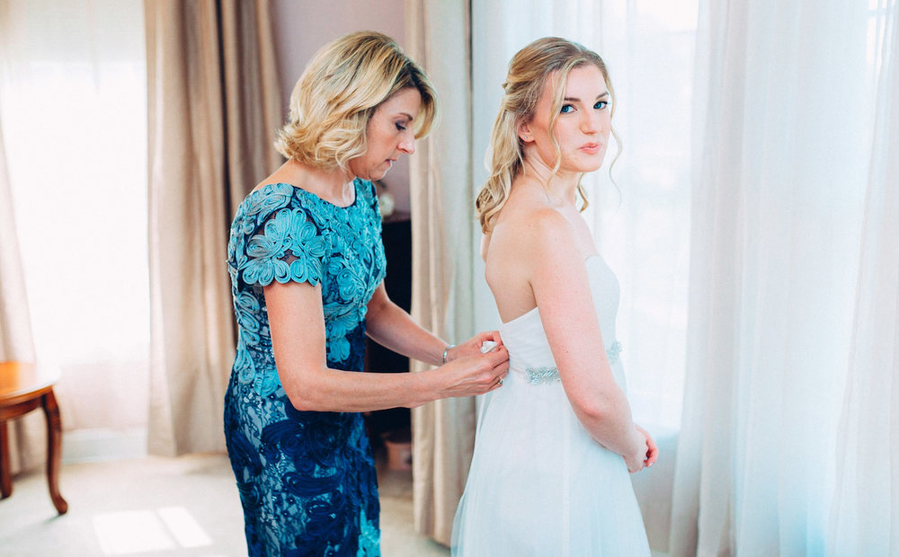 bride-getting-ready-pictures.jpg