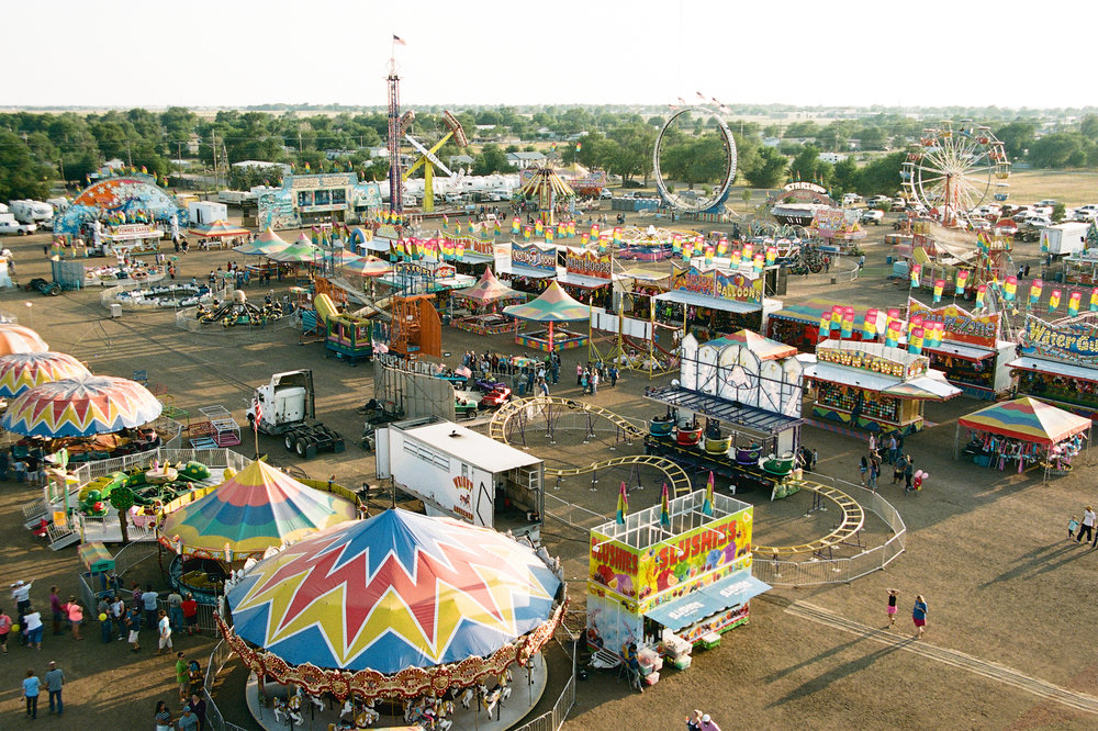 fairgrounds-view-from-ferris-wheel