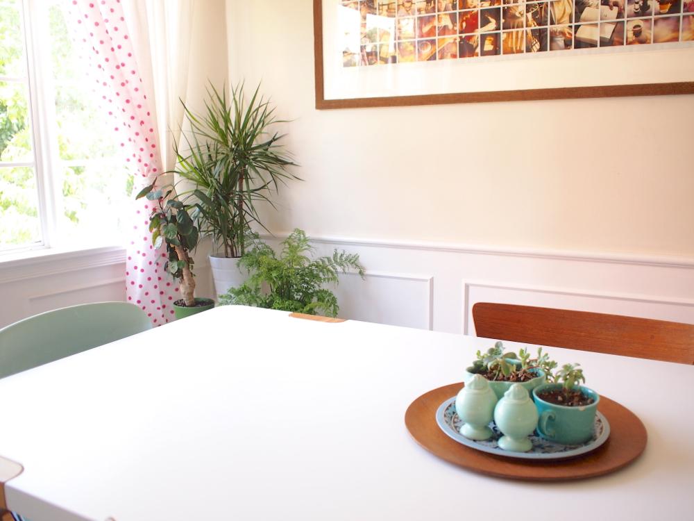 tri-plant corner:table.jpg