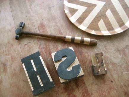letters:tray:hammer.jpg