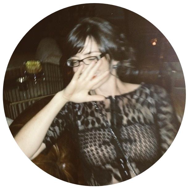 sarah-bio-pic-circle.jpg