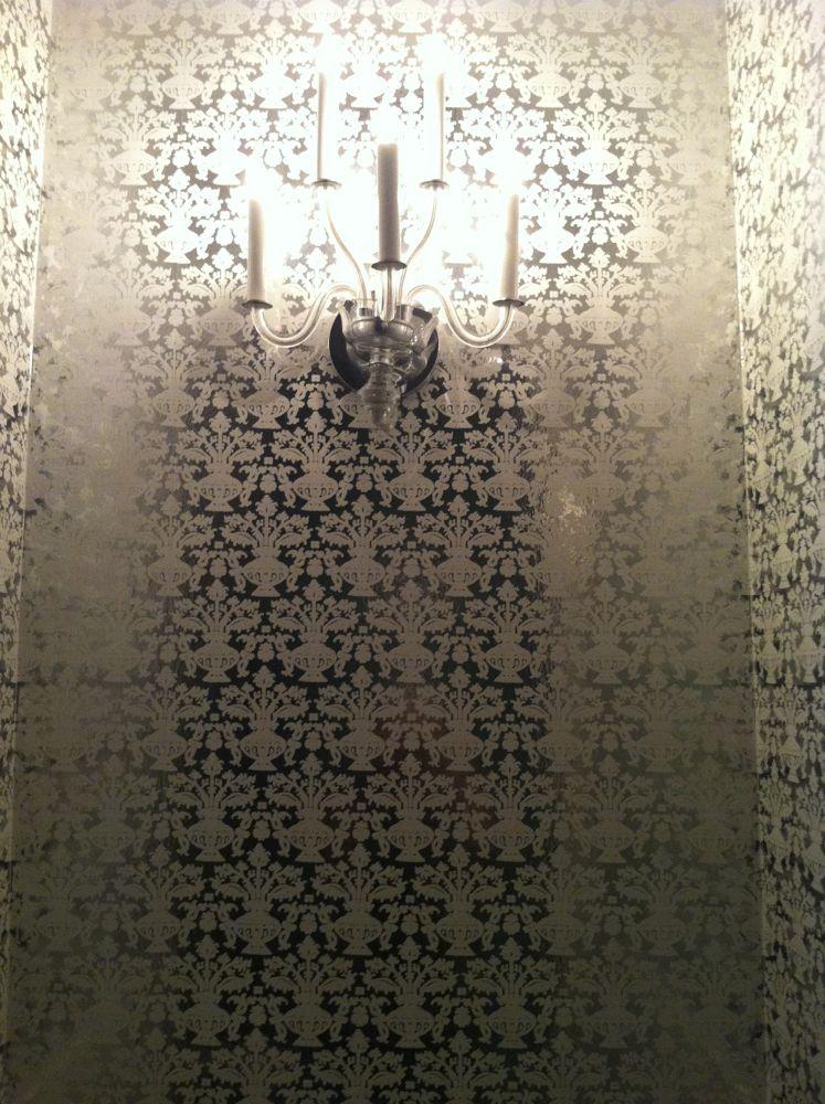 viceroybathroom.jpg