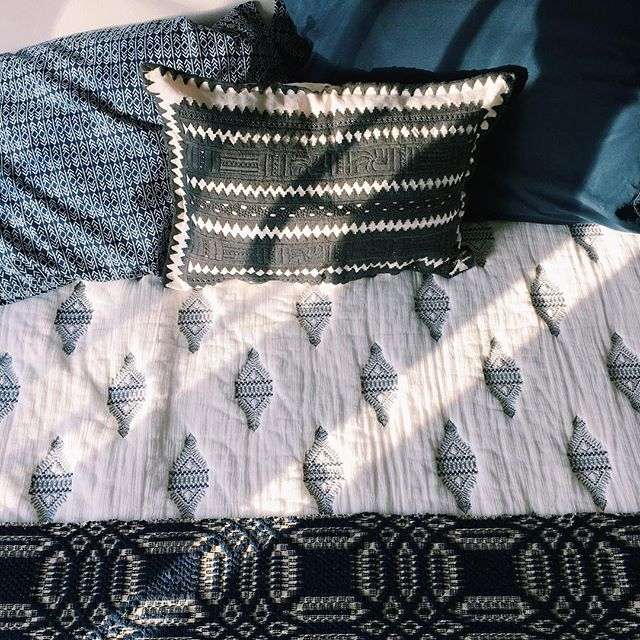 Yay for my bed! #ilikeitwhenthingsarepretty #smallvictoriesdesign #thriftstorefinds #oldmeetnew #anthropologie #textiles #bedding #blueandwhite #blackandwhite #vsco #vscocam