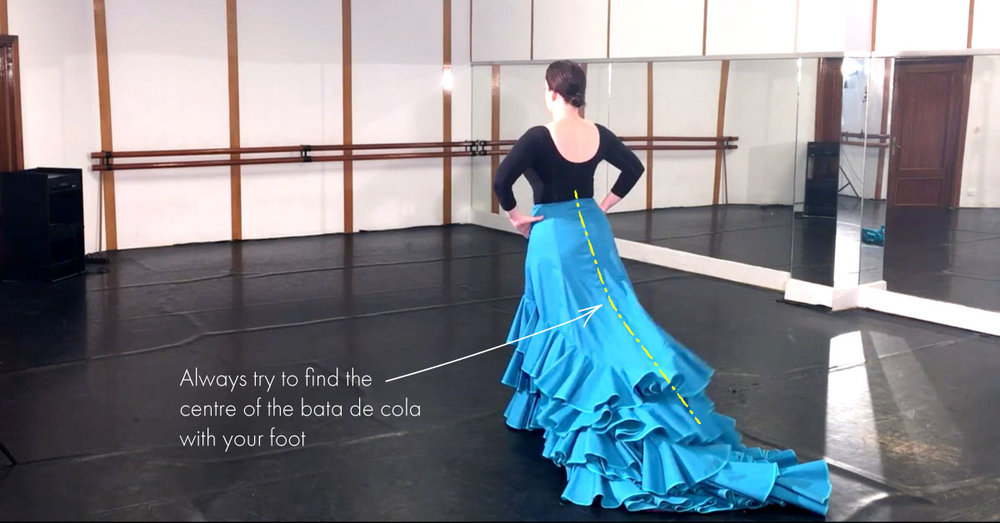 Bata de cola technique   find the centre of the bata de cola with your leg