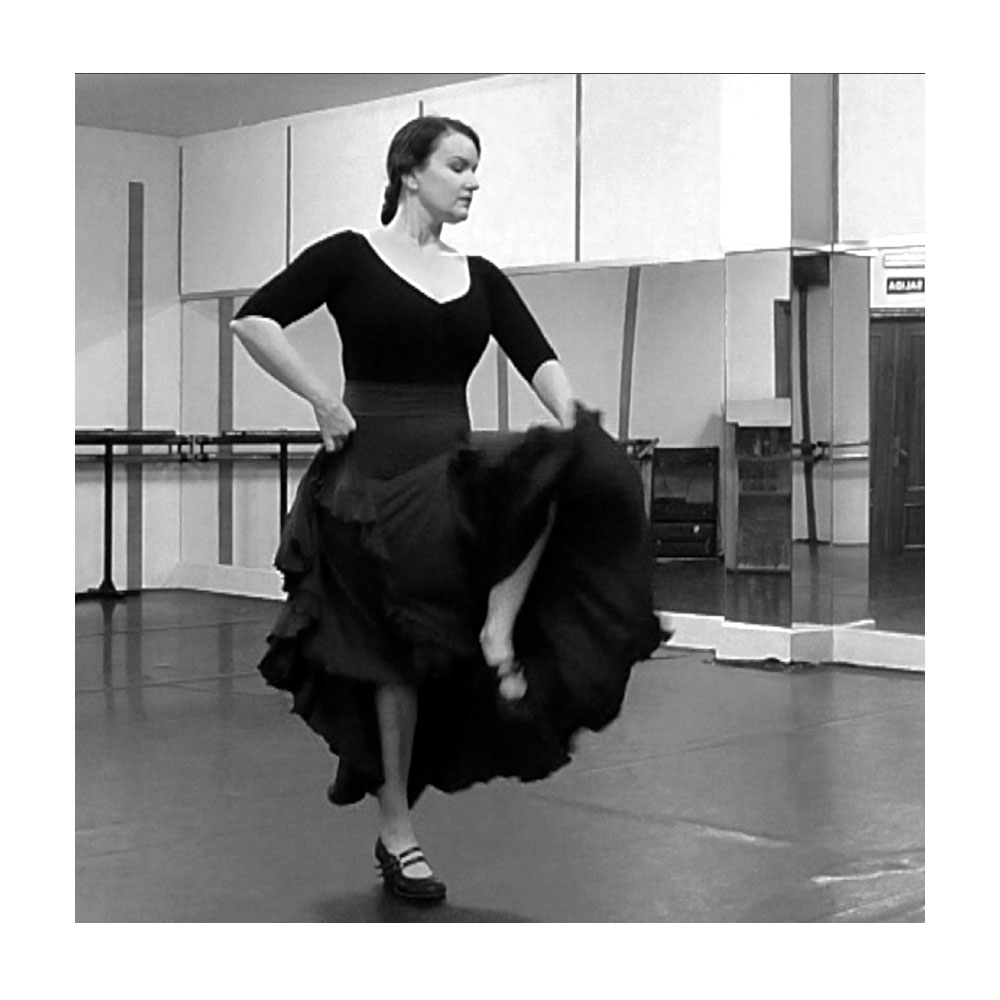 Flamenco Skirt Technique Challenge for danza estudio Flamenco Bites members.