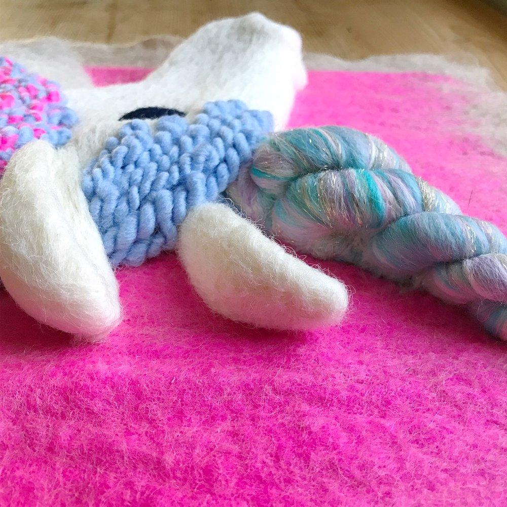 Custom Bright Pink Unicorn, detail