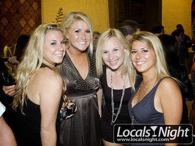 blonde group girls.jpg