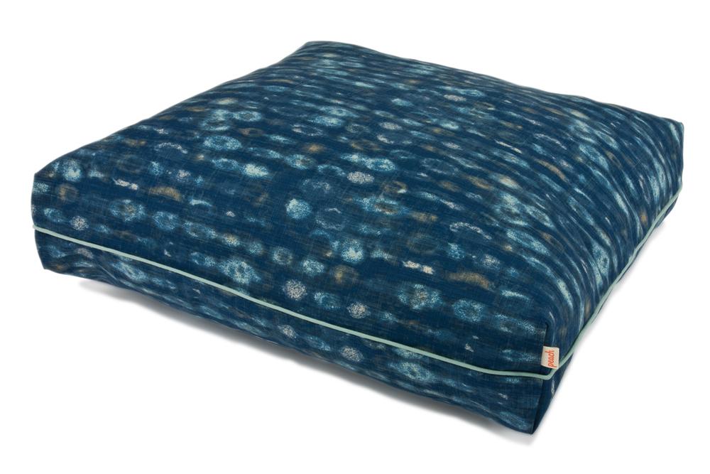Peach-Pillow-Bed-Neptune.jpg