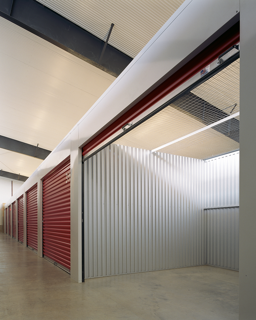 3 501508 interior of storage unit and hall.jpg