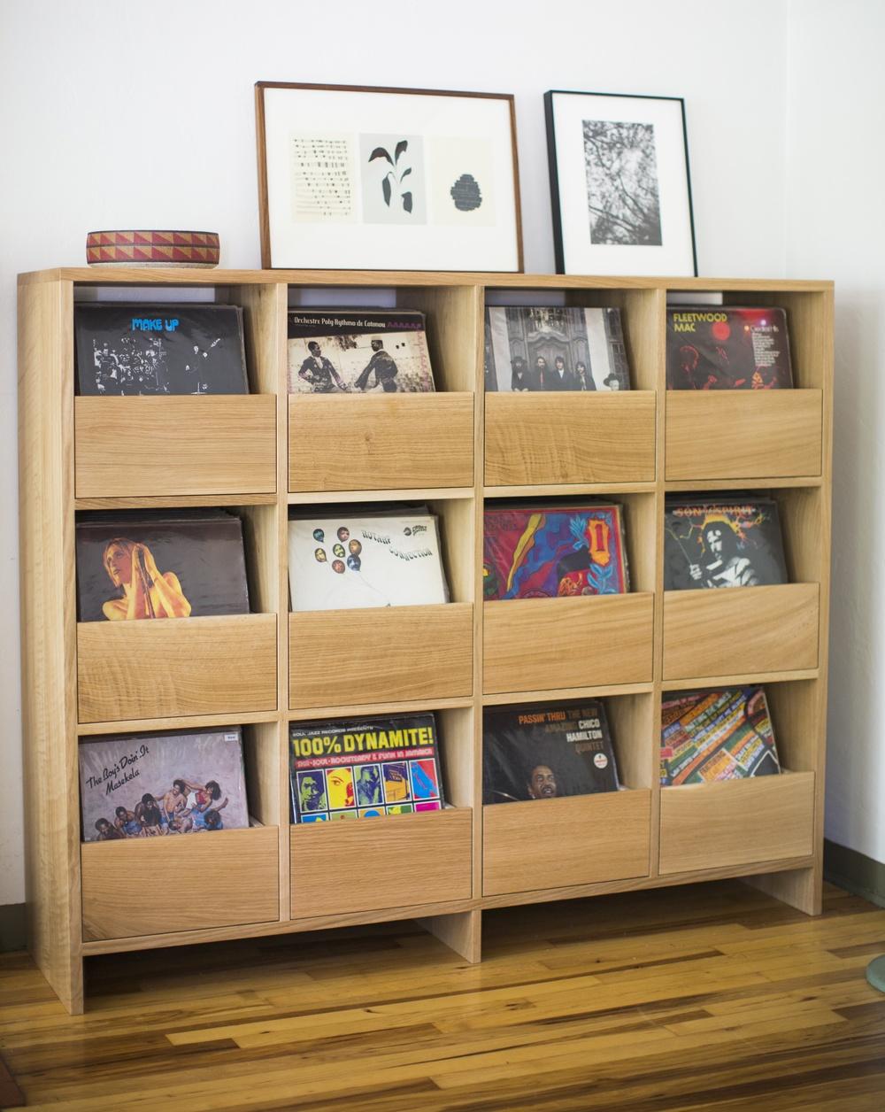 Superbe Vinyl Cabinet