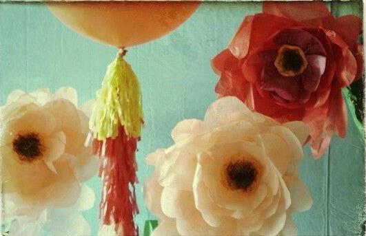 balloonn 3 flowers.jpg