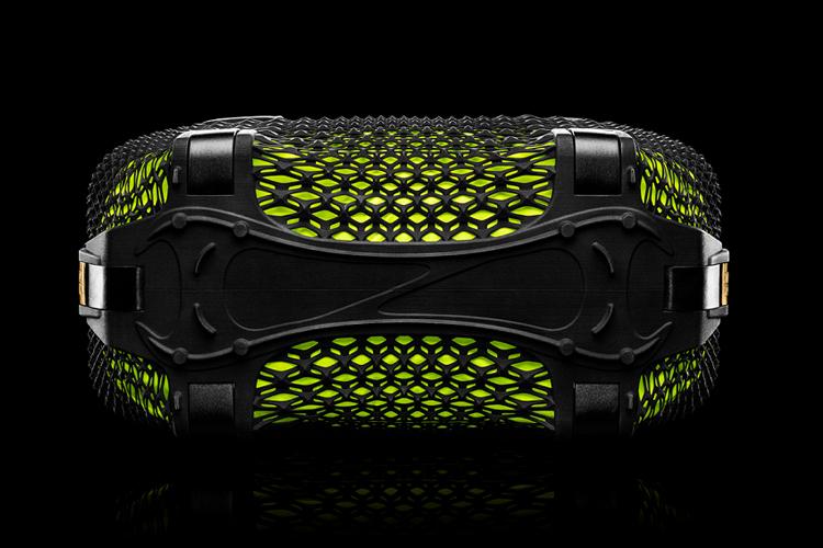 Nike Rebento 2.jpg
