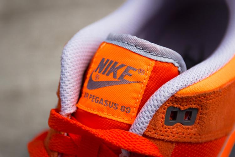 Air Pegasus 89 Orange 1.jpg