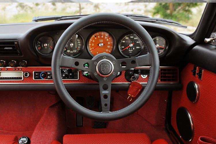 Singer Porsche 5.jpg