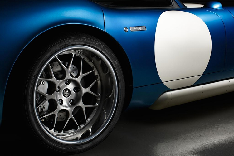 Renovo Coupe Wheel Detail.jpg