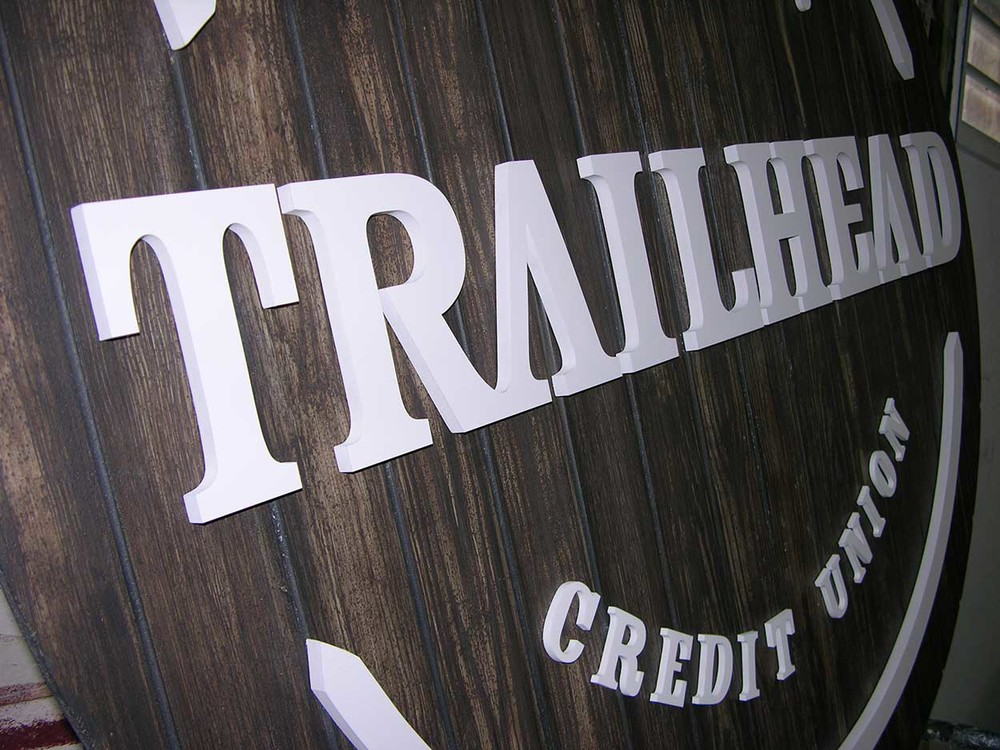 Trailhead-logo2.jpg