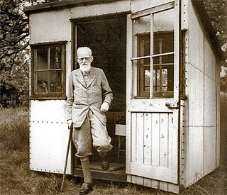 An Honest Architecture: George Bernard Shaw and The Marvelous Spinning Shed (LIGHT)          via  honestarchitecture.blogspot.com        I want to build one of those.