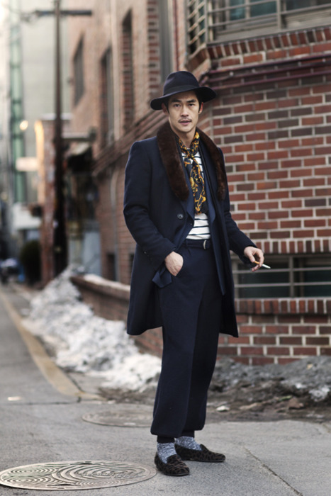 On the Street….Shinsa-dong, Kangnam-gu, Seoul via The Satorialist http://thesartorialist.blogspot.com/