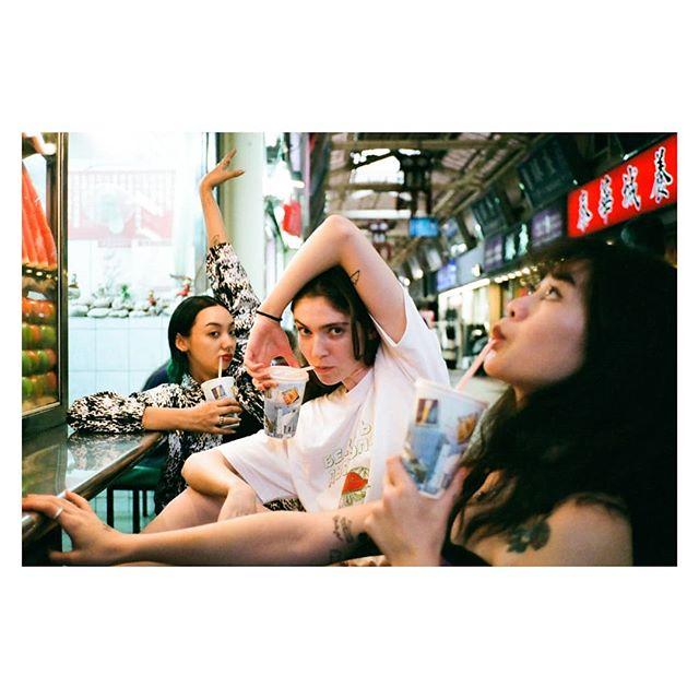 @kochet.kov juice gang  #contaxt2 #fujifilm #venus800 #girlsquad #film