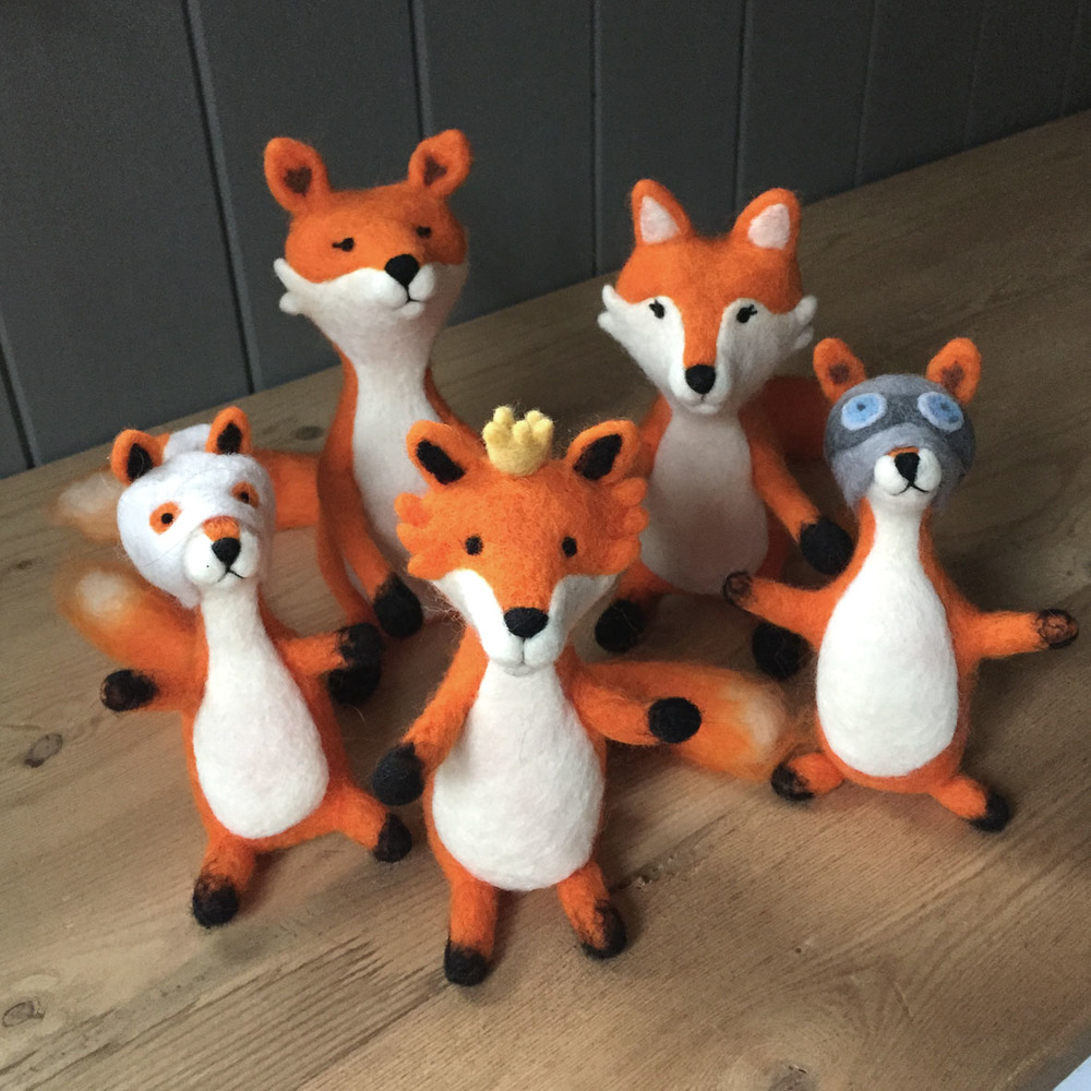 felted foxes 1.jpg