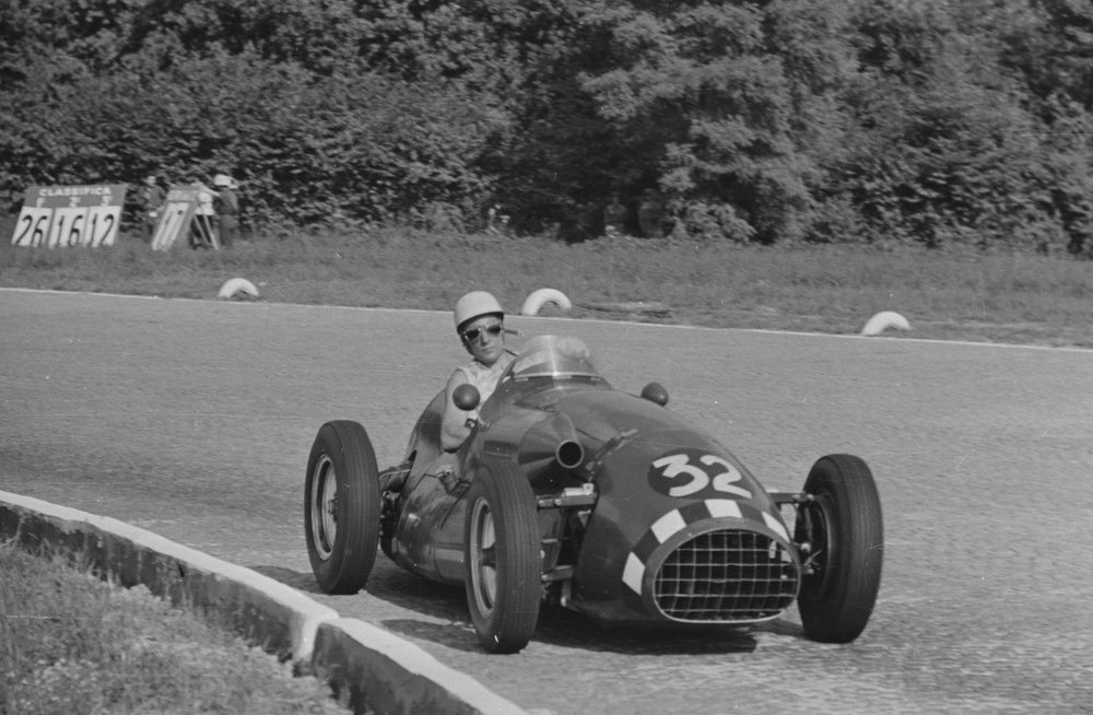 Stirling Moss driving Connaught A6 at Monza in the Italian GP, 1952