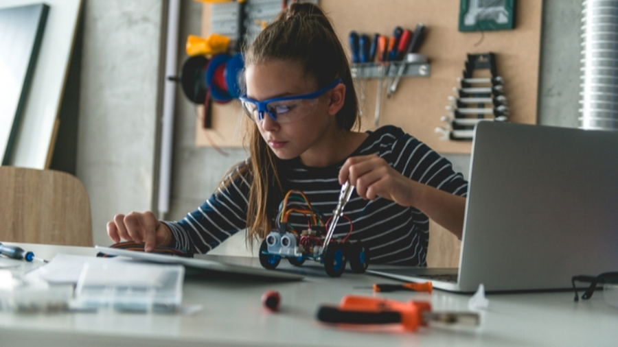 STEM learning can capture students' imagination, but making it work for all ages remains a challenge.
