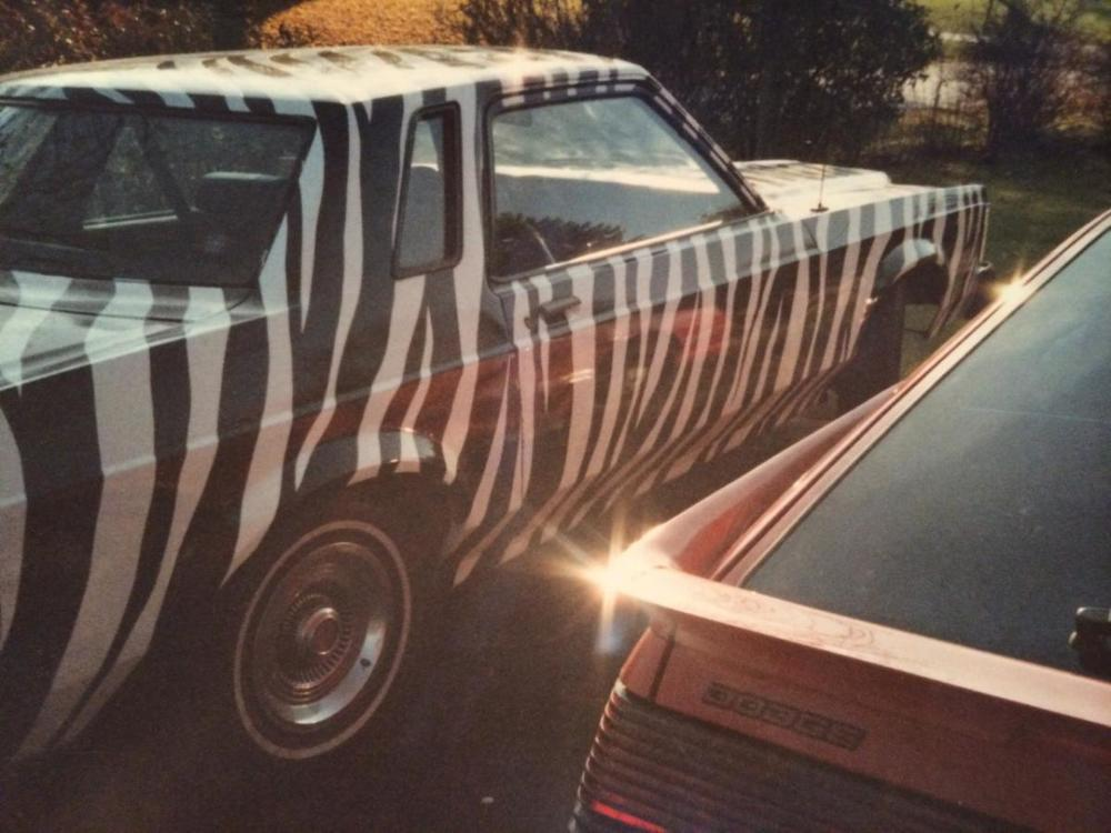 "How did Jeannie get that gnarly custom paint job?  She ""knew a guy"" - of course!"