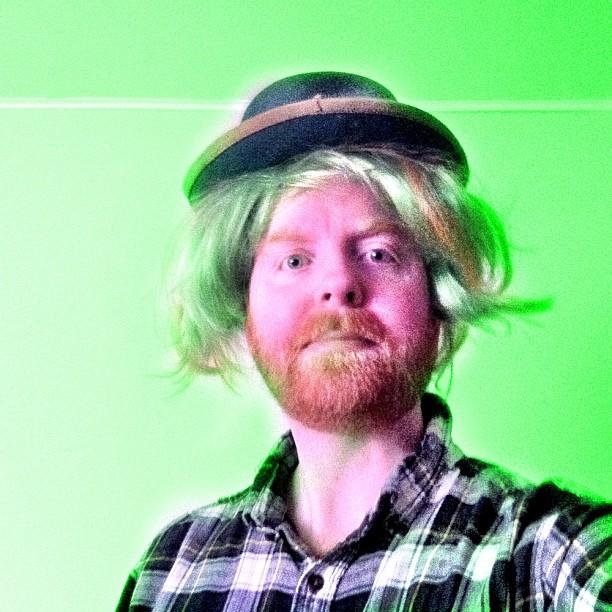 Dave Irish wig and hat